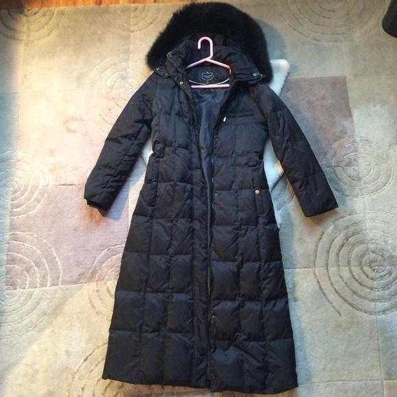 f4855f3e4 I Madison long winter coat, fur hood, belted